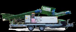 Eén van de diensten voor de akkerbouw: de Potato Care, de mobiele pootgoedontsmetter van Van Iperen